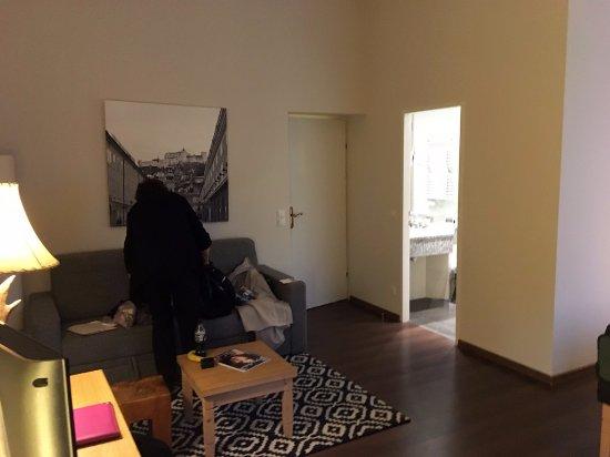 Hotel Villa Carlton: sitting area in bedroom