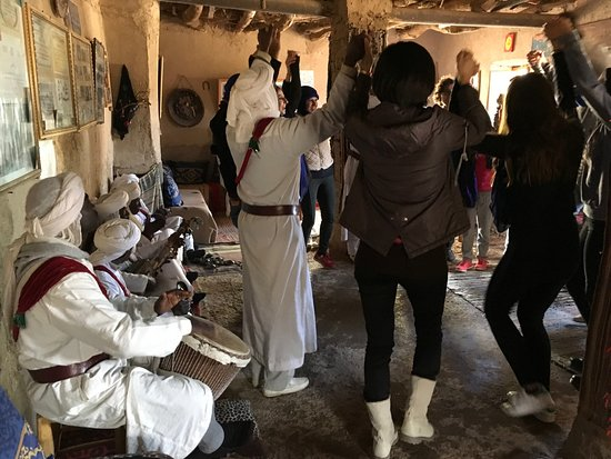 Hassilabied, Marrocos: Enjoy African music in sahara desert