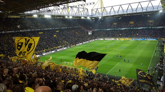 Signal Iduna Park: View from the wall just before kick off