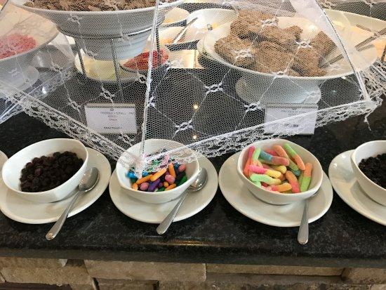 Chipata, Zambia: Large breakfast buffet