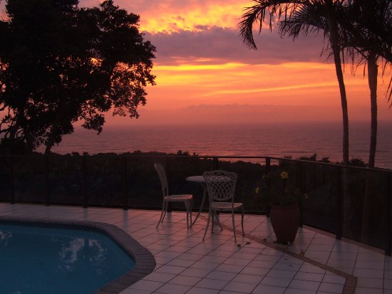 Ocean Grove Guest House: Amazing sunrise over the sea