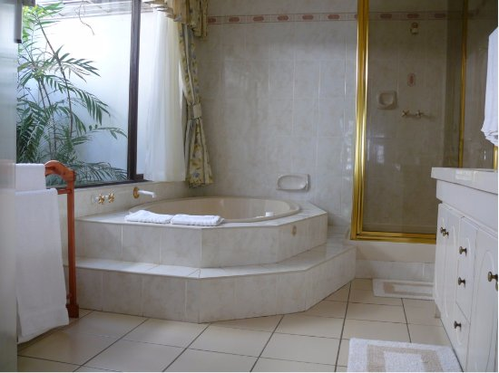 Glenmore Beach, Sudáfrica: The special honeymoon bathroom