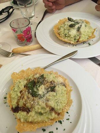 Pallanza, إيطاليا: Abbiamo acquistato un coupon su Groupon e siamo stati benissimo !!! Il cibo è ottimo e il serviz