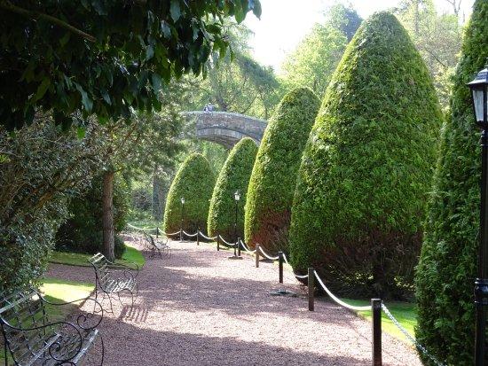 Brig O Doon Hotel: Hotel gardens