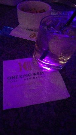 One King West Hotel & Residence: Drink @ Teller Bar