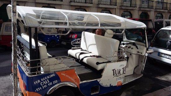 Casa Oliver Principe Real : tuk tuk électriques de partout pour vous déplacer