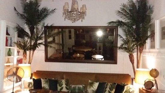Casa Oliver Principe Real : salle du petit dejeuner de style 1930 colonial