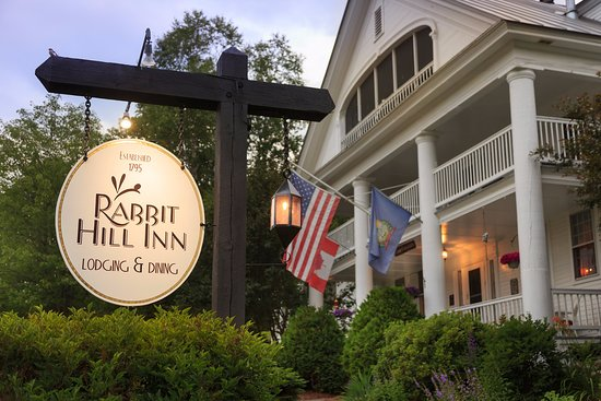 Saint Johnsbury, VT: Rabbit Hill Inn & Restaurant. Romantic couples getaway