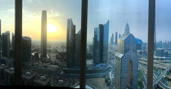 Burj khalifa view picture of shangri la hotel dubai for Burj khalifa room rates
