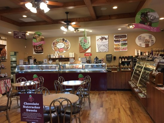 Kilwin's Chocolates and Ice Cream: Kilwin's- inside the store