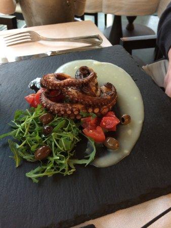 Cafe La Vittoria: Grilled Octopus