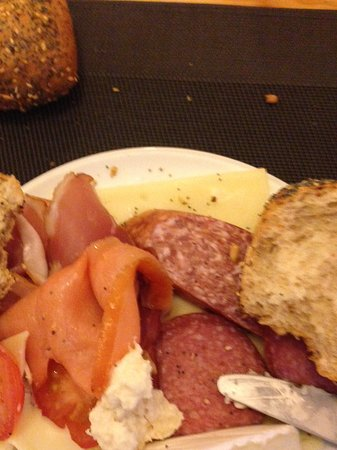 Mercure Hotel Duesseldorf City Center: Continental breakfast