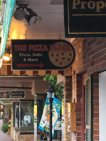The Pizza Place: outside view