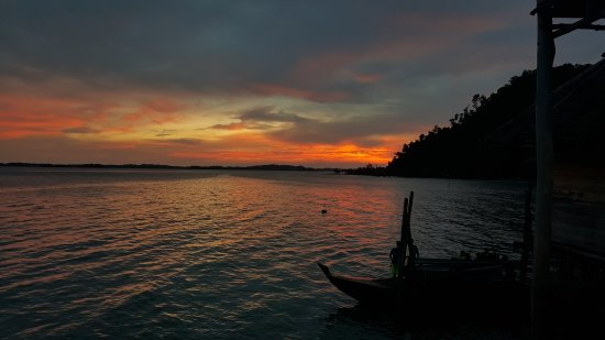 Telunas Beach Resort: 20170512_181622_large.jpg