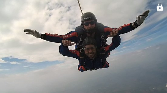 Whitchurch, UK: Skydive Tilstock Freefall Club