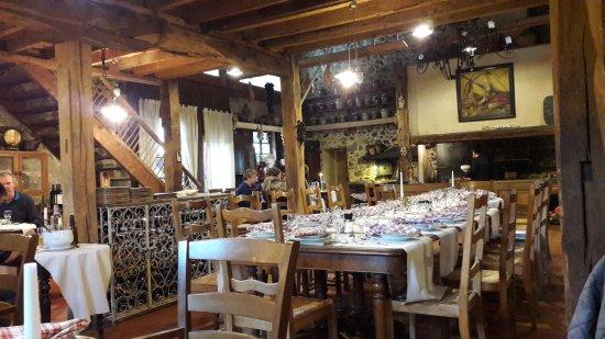 L'Auberge d'Antan: Ambiance Gascogne il ne manque que les capes et les épées