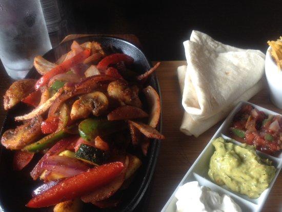 The Mill Inn: Vegetable fajitas