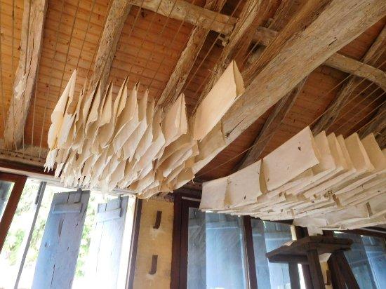 Couze-et-Saint-Front, Франция: Drying racks