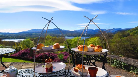 Holbeck Ghyll Country House: Good selection of cakes