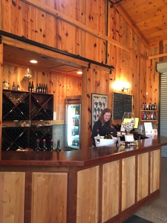 Shelby, NC: bar for wine tasting