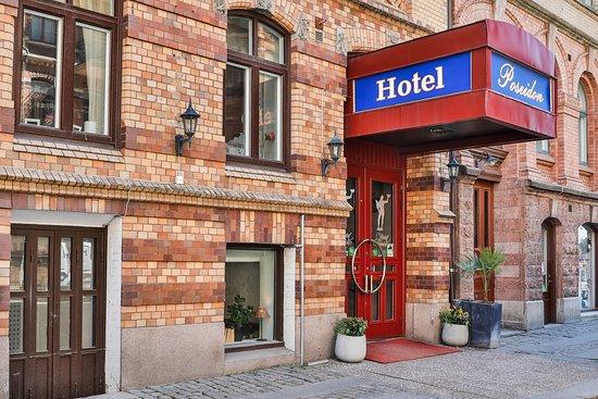 Hotel Poseidon: Entré