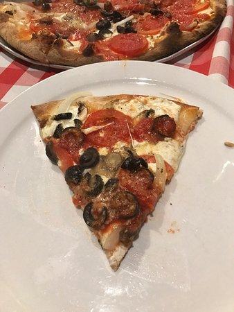 Grimaldi's Pizzeria: photo1.jpg