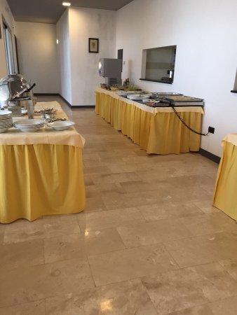 Valledoria, Italia: Yum yum at the Mare Castledoaria  5* Platinum ?