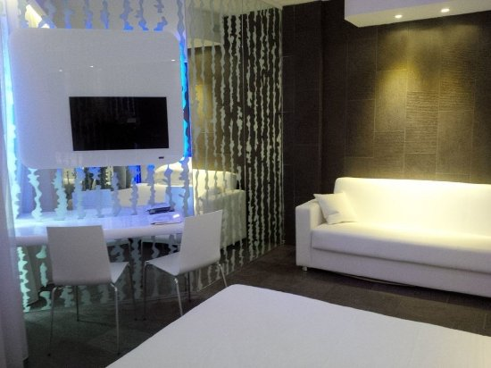 A point porto ercole resort spa 109 2 3 9 for Actpoint salon review
