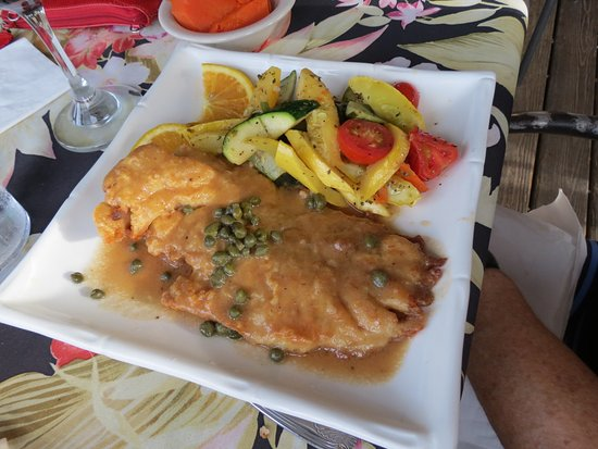 Goodland, Floride : Yellowtail Snapper entree