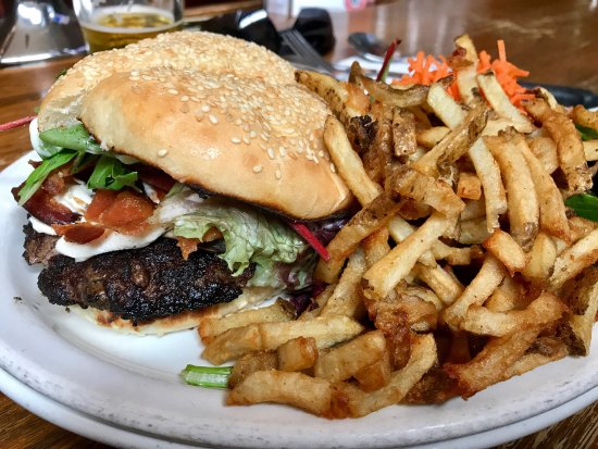 Chez Lucien Burger, just awesome !