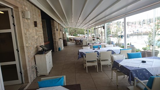 """Milna, Croacia: Restoran """"Navigare"""""""