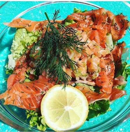 Maubuisson, Frankrike: La salade nordique, tartare de saumon et saumon mariné à l'aneth et huile d'olive
