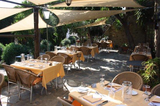 Restaurant Flor de Girasol Al Rhodas: kurz vor einem Event