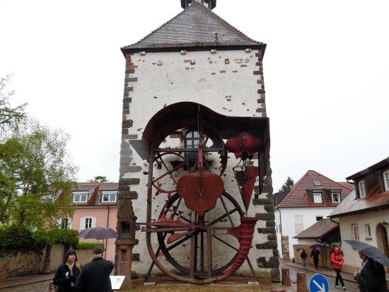 Breisach am Rhein, Niemcy: Well lift mechanism