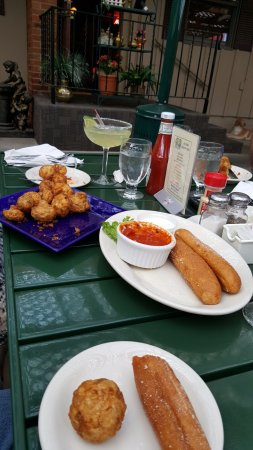River Falls, WI: appetizers, breadsticks and fried mushrooms