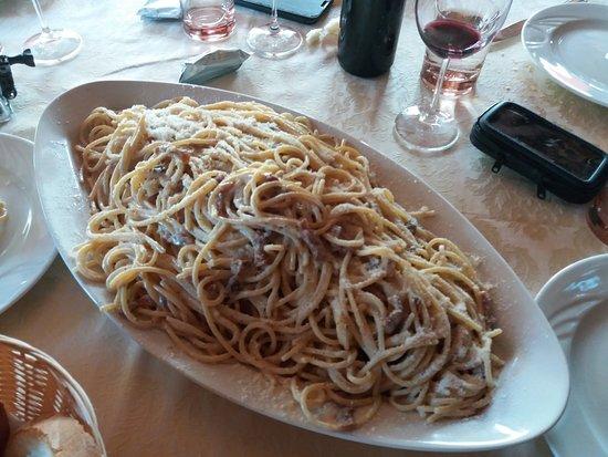 Leonessa, Italy: gricia