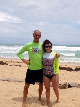Coast Riders Surf Shop & Surf Lessons: Это русский инструктор на пляже Макао. Спасибо ему, что поставил на доску!