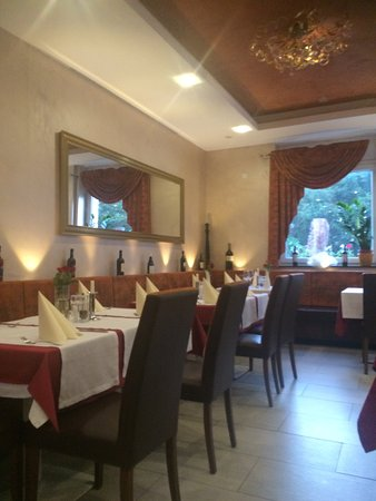Katzenelnbogen, Alemania: Sehr schönes italienisches Restaurant - authentische Gerichte mit Herz serviert...