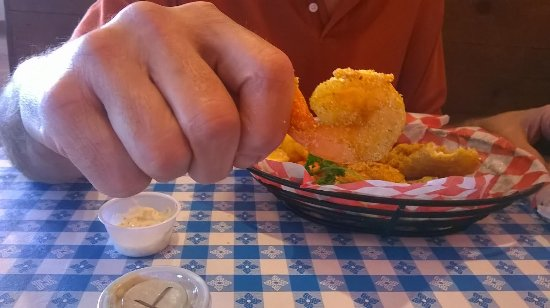 Seven Points, TX: Shrimp and catfish basket...