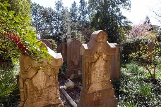 Greensboro, NC: graveyard outside the museum