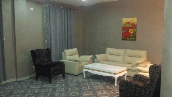 Chlef, Algieria: salon de la chambre
