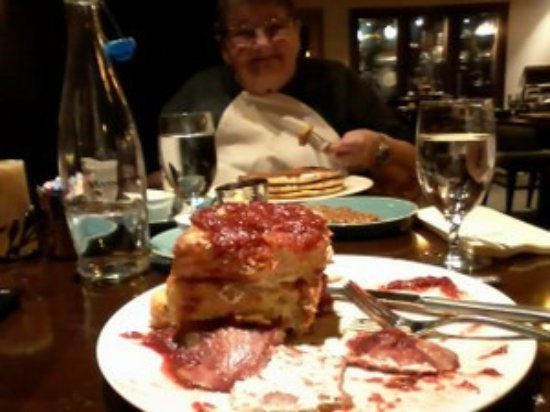 Airway Heights, WA: French Toast stack and buttermilk pancakes