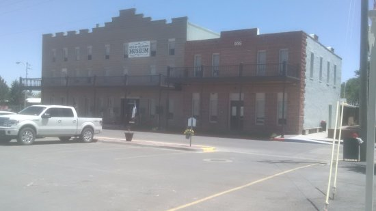 Pecos, TX: Building's entrance from P/Lot across the street