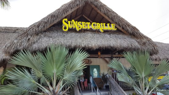 Sunset Grille and Raw Bar: Entrance to the Sunset Grille