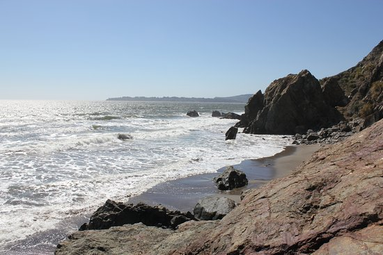 Stinson Beach, CA: Red Rock Beach (Mickeys Beach)