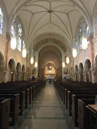 Hubertus, WI: Inside Basilica