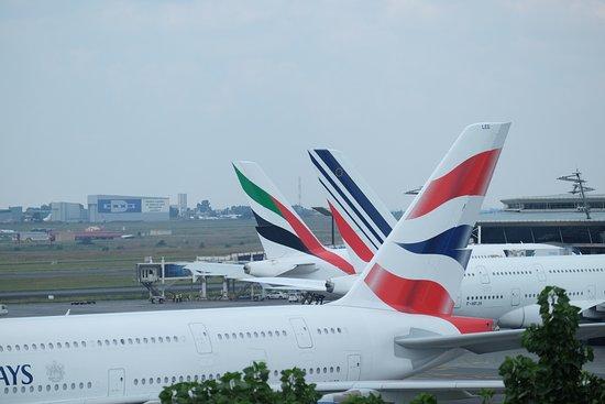 Kempton Park, Afrika Selatan: A380 BA, AF, EK