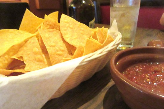 Complementary Chips And Salsa Casa Azteca Mexican Restaurant Milpitas Ca