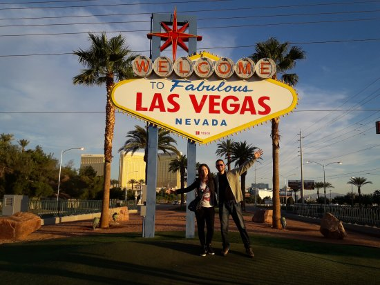 welcome to faboulous las vegas sign picture of welcome to fabulous las vegas sign las vegas. Black Bedroom Furniture Sets. Home Design Ideas