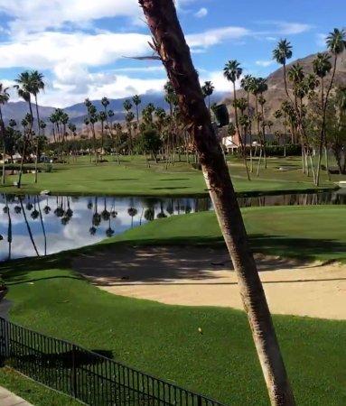 Omni Rancho Las Palmas Resort & Spa : Golf course view room